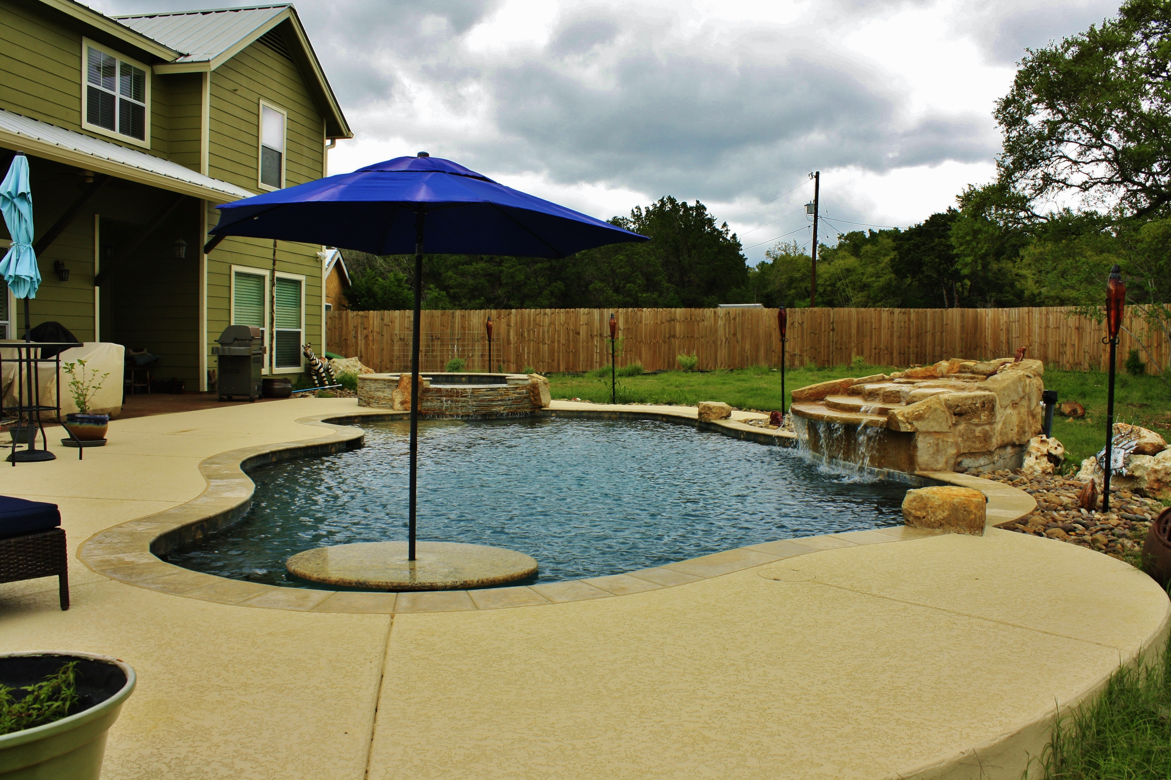 New Swimming Pool and Spa Combination Gallery - Trinity ... on Outdoor Living Pool And Spa id=31100